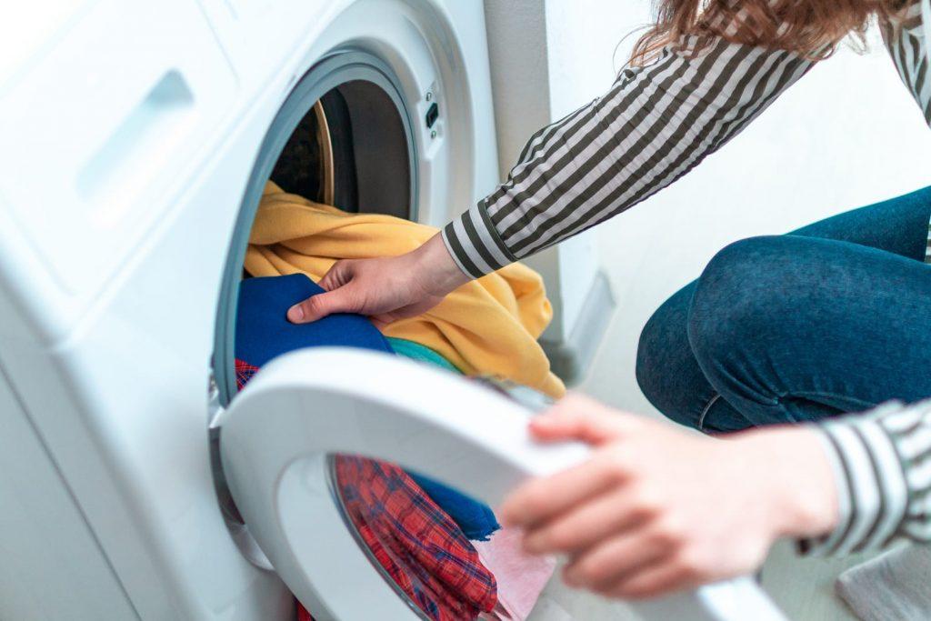 çamaşır makinenize koymamanız gereken şeyler